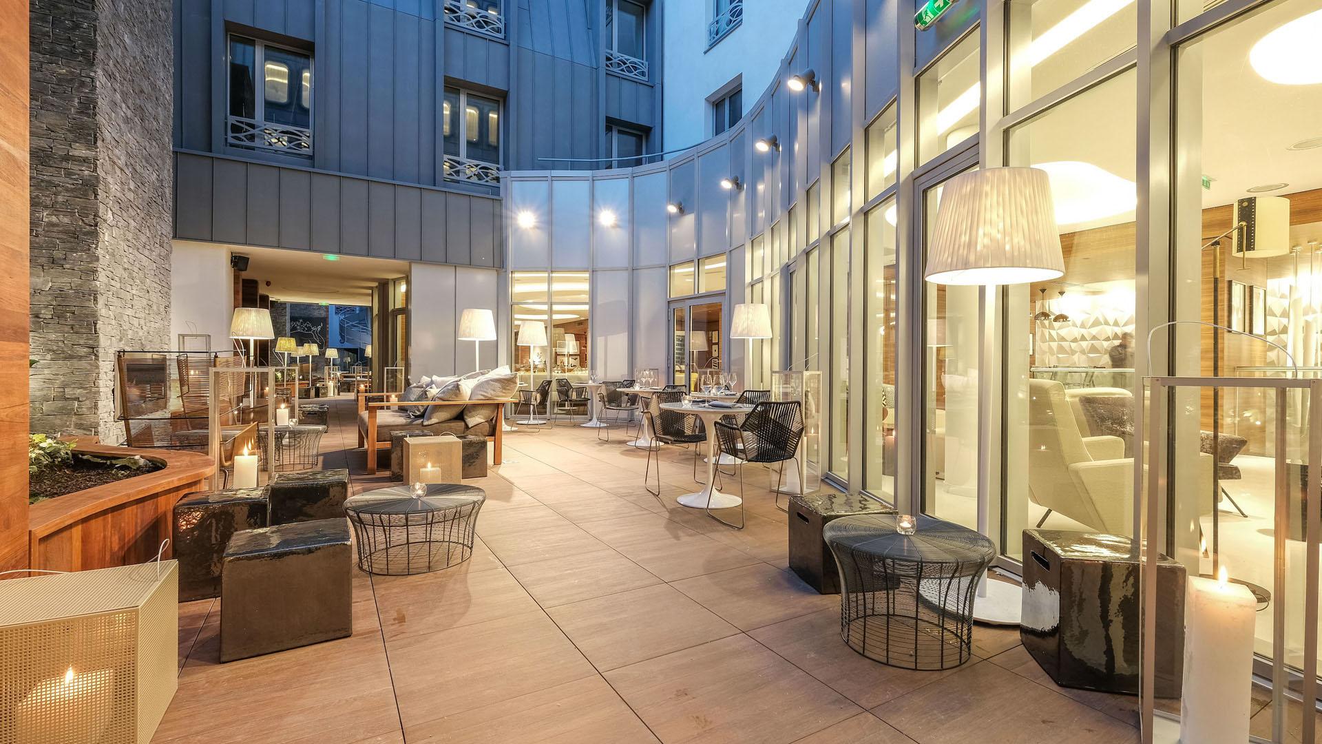 luxury hotel design saguez partners. Black Bedroom Furniture Sets. Home Design Ideas